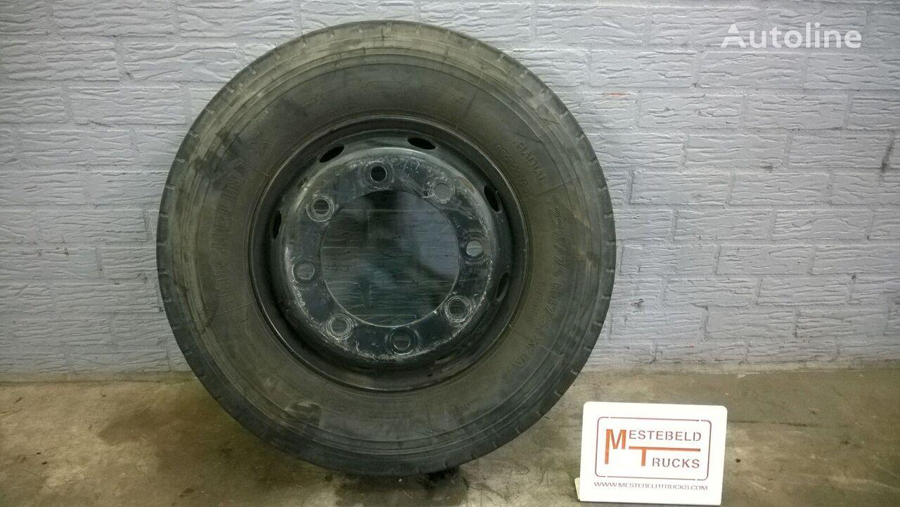 Michelin 225/75 R 17.50 dekk til lett lastebil