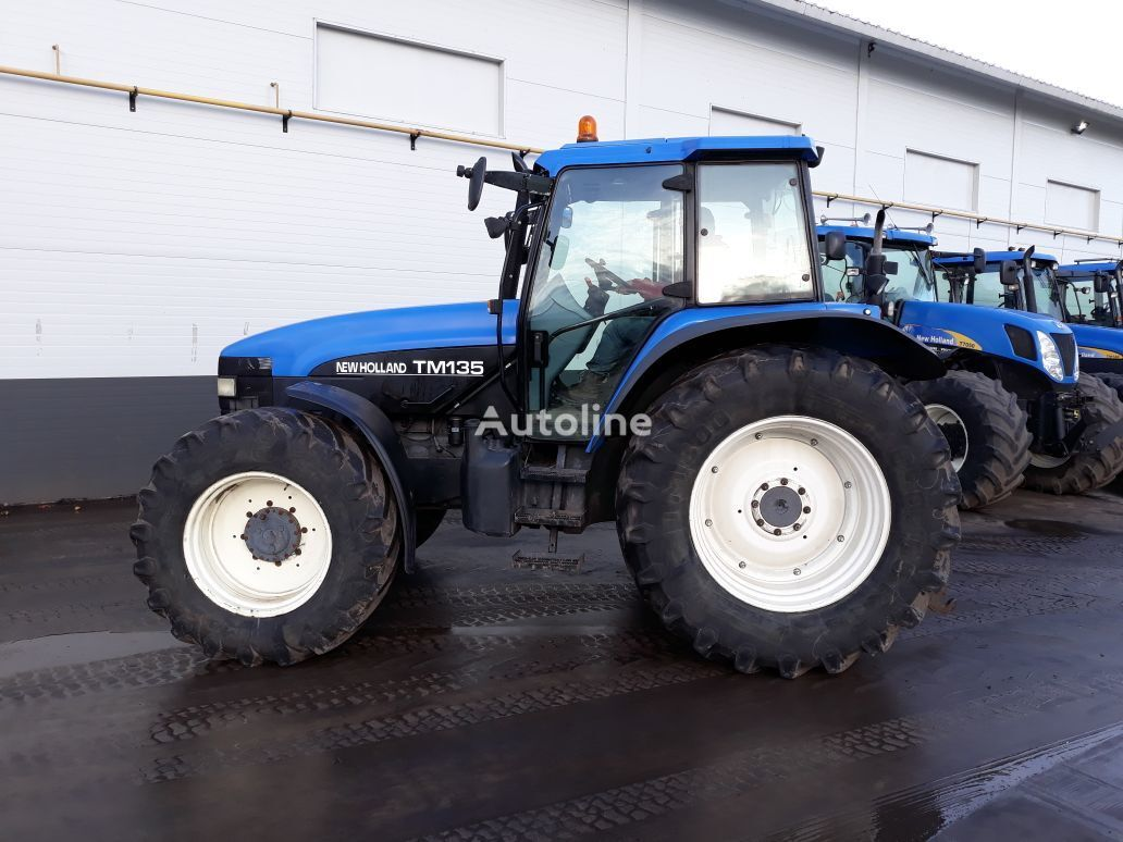 NEW HOLLAND TM135 hjul traktor
