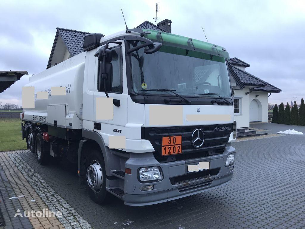 MERCEDES-BENZ Actros 2541 Tankwagen drivstoff transport tankbil