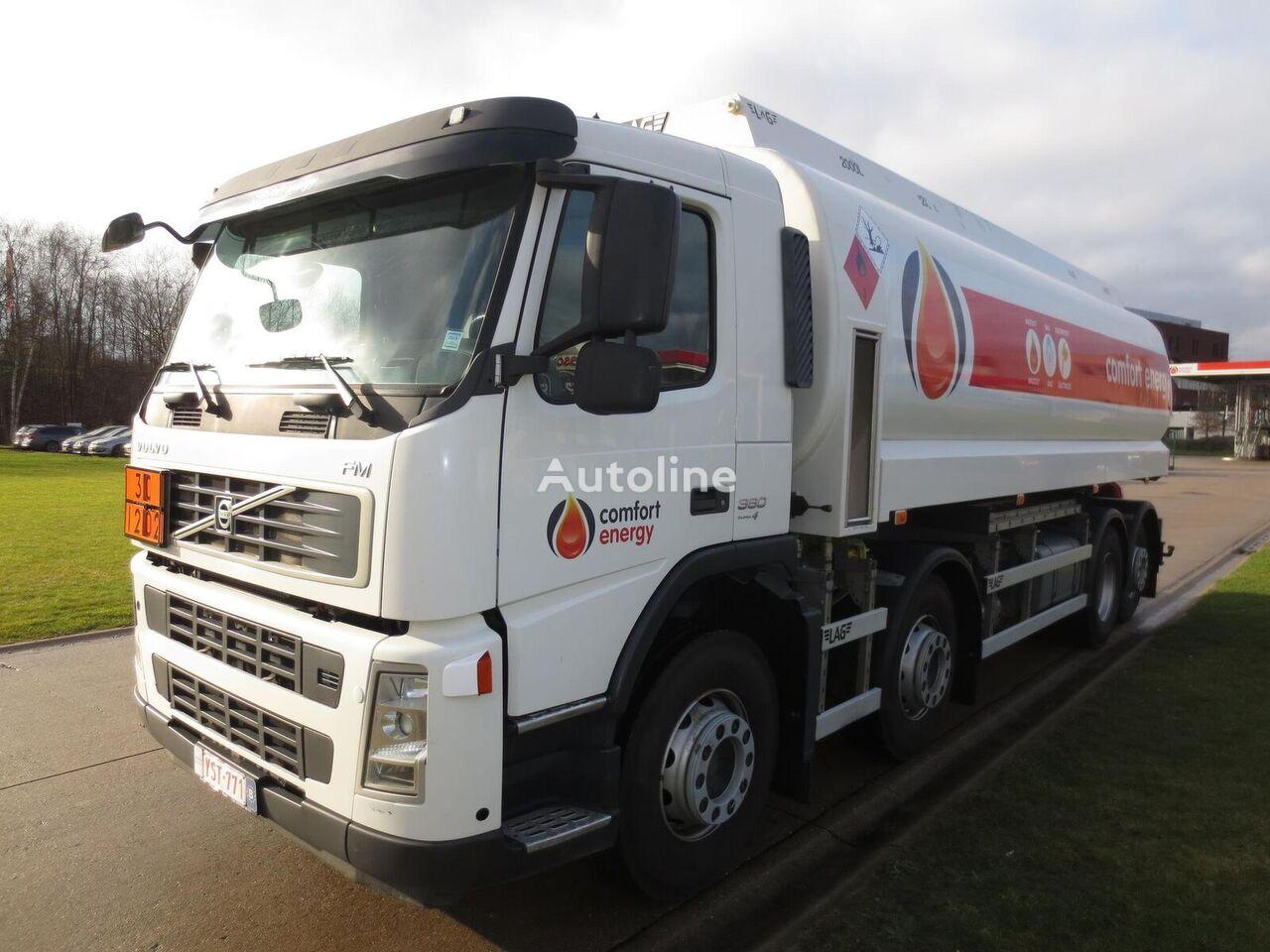 VOLVO drivstoff transport tankbil