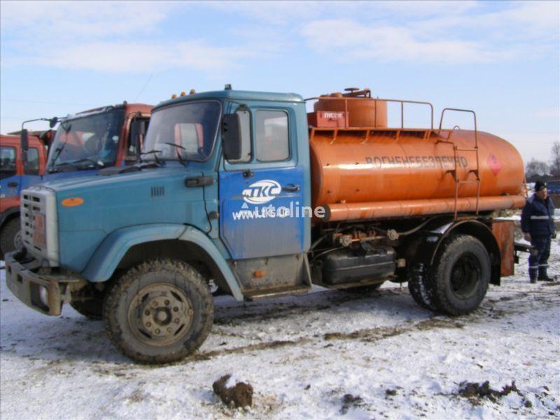 ZIL 4310 drivstoff transport tankbil