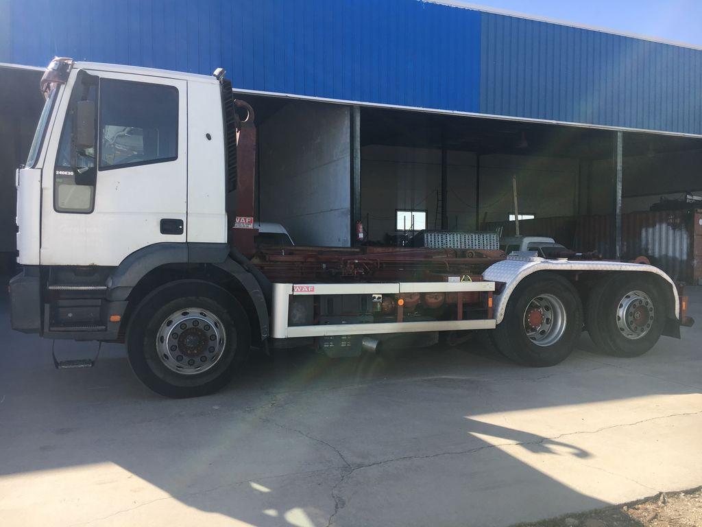 IVECO 300 EJE DIRECCIONAL  krokløftbil